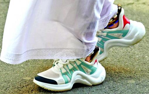 Sự quyến rũ không chỉ đến từ những đôi giày gót nhọn
