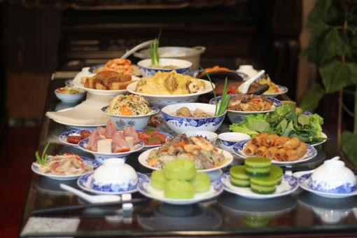 Đến lễ hội Tết Việt ngắm mâm cỗ ba miền