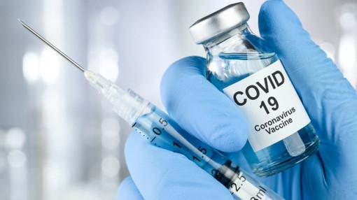 Ngày 23/2, hơn 200.000 liều vắc-xin ngừa COVID-19 về Việt Nam: Ai không nên tiêm?