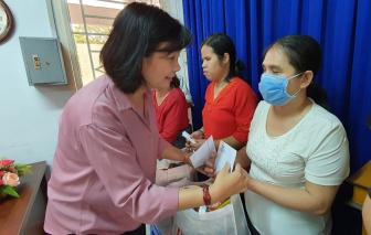 """Báo Phụ Nữ TPHCM tiếp tục mang """"Tết ấm"""" đến với phụ nữ gặp khó khăn trong thành phố"""