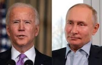 """Cuộc điện đàm đầu tiên """"đầy khó khăn"""" giữa hai Tổng thống Biden và Putin"""