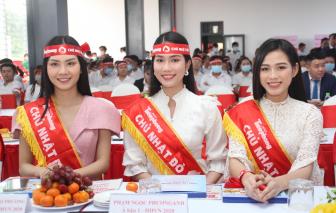 Hoa hậu Đỗ Thị Hà tham dự ngày hội hiến máu nhân đạo ở Bình Dương