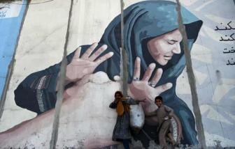 Afghanistan chống lại nạn bạo hành gia đình ngay từ phòng ngủ
