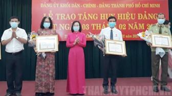 Trao Huy hiệu Đảng cho 14 đảng viên