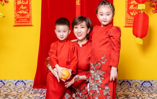 Lều Phương Anh diện đồ đồng bộ du xuân sớm cùng 2 con