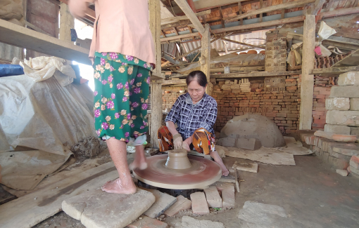 Làng gốm Thanh Hà, những người còn giữ lại hương Tết
