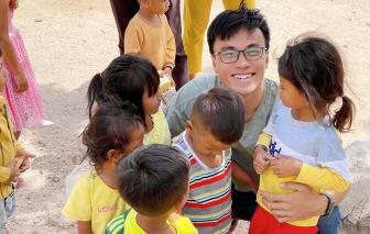 Chàng trai trẻ xuyên Việt, mang tết đến vùng cao