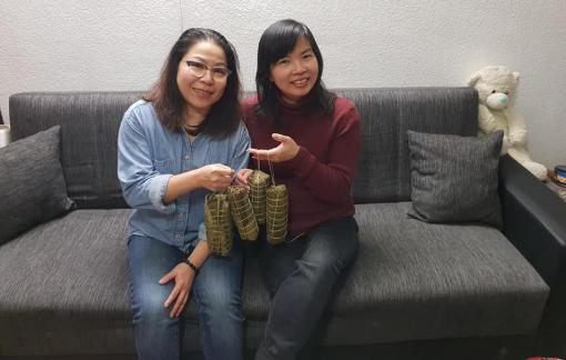 Giao thừa ấm trong ngày giãn cách xã hội của người Việt tại Đức