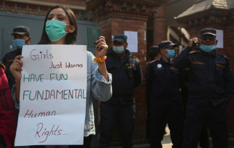 Nepal cấm phái nữ đi du lịch nước ngoài