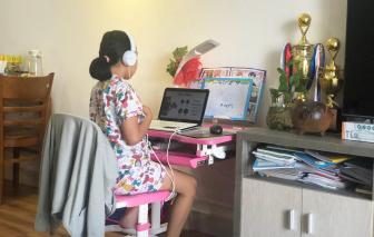 Học sinh tiểu học học trực tuyến: Khó hiệu quả