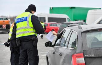 EU thắt chặt hạn chế đối với du lịch không thiết yếu trong bối cảnh hỗn loạn các biện pháp biên giới