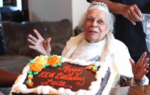 Cụ bà 105 tuổi chiến thắng hai đại dịch lớn của nhân loại