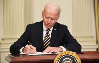 Chính quyền Biden đảo ngược chính sách dùng đại dịch để hạn chế nhập cư của cựu Tổng thống Donald Trump