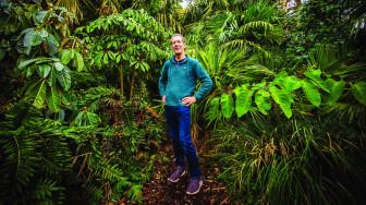 Dành hơn 30 năm để mang cả khu rừng về nhà