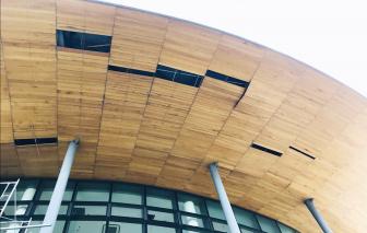 Vì sao nhà hát 200 tỷ bên bờ sông Hương mới hoạt động đã hư?