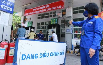 Xăng, dầu tăng thêm 1.000 đồng/lít từ 15g ngày 25/2