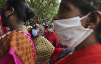 Phụ nữ Ấn Độ ít có cơ hội trở lại công việc sau đại dịch COVID-19 hơn nam giới