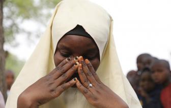 Hàng trăm nữ sinh Nigeria bị bắt cóc