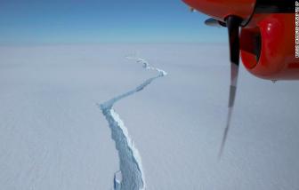 Một tảng băng trôi khổng lồ vỡ ra ở Nam Cực gây ngạc nhiên