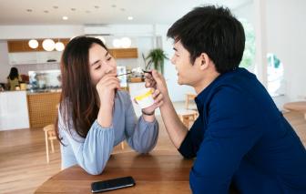 Vợ chồng nhìn nhau phát điên?