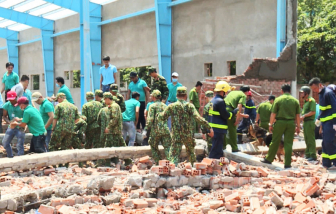 Vĩnh Long hoãn xét xử vụ sập tường khiến 7 người chết do vắng bị hại