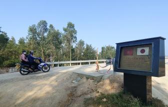 """Quảng Nam: Cầu 240 tỷ đồng xây xong vẫn """"trùm mền"""" vì không có đường dẫn"""