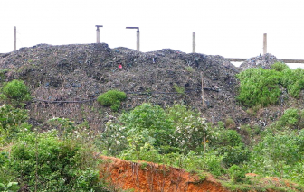 Bất lực với hơn 5.000 tấn rác thải tồn đọng ở Thừa Thiên - Huế?
