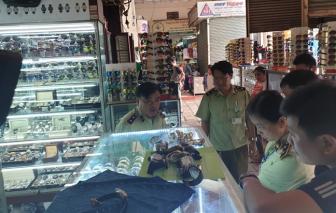 """Cục Quản lý thị trường nói gì về việc 3 chợ tại Việt Nam bị Mỹ liệt vào nhóm """"bán hàng nhái khét tiếng""""?"""