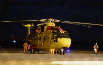 31 thủy thủ được giải cứu khỏi con tàu đang bốc cháy ở Canada