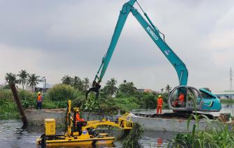 TPHCM chi gần 13 tỷ đồng để sử dụng công nghệ để vớt rác trên sông