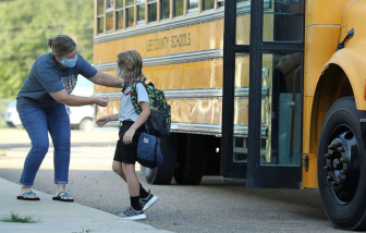 Trẻ em ở Mississippi mắc COVID-19 cao gấp 10 lần báo cáo