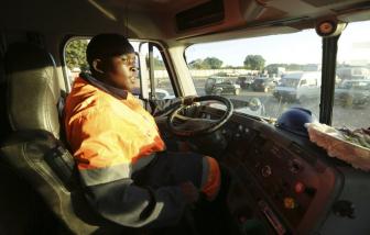 Giữa đại dịch ở Zimbabwe, phụ nữ tìm cách vươn lên khỏi đói nghèo