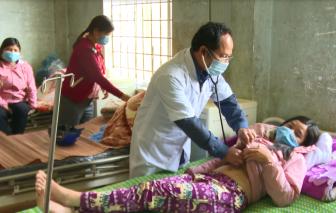 Kon Tum: Chưa xác định được nguồn gây bệnh khiến 2 người tử vong sau khi ăn Tết chuồng trâu