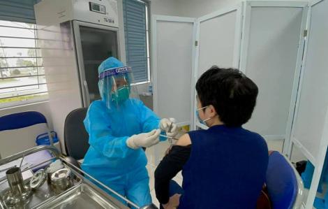 Bộ Y tế: Vài trường hợp phản ứng nhẹ sau tiêm vắc-xin COVID-19