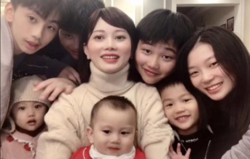 Mẹ nộp phạt hơn 150.000 USD để sinh bảy người con