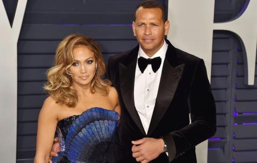 """Jennifer Lopez hủy hôn vì """"người thứ 3""""?"""