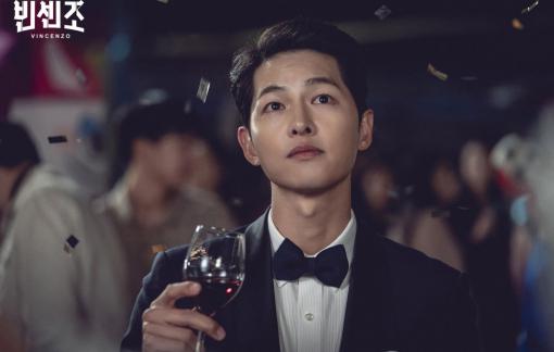 Phim mới của Song Joong Ki gây tranh cãi
