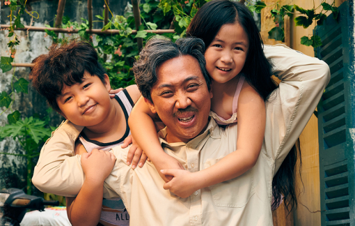 """Vượt mặt bom tấn """"Avengers: Endgame"""", """"Bố già"""" trở thành phim chiếu rạp có doanh thu cao nhất từ trước đến nay tại Việt Nam"""