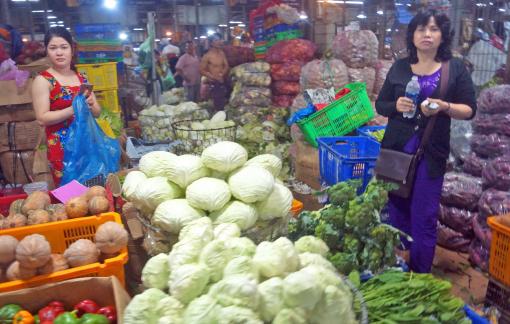 Nông sản để thối ngoài đồng, người tiêu dùng vẫn phải mua giá cao