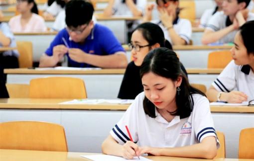 Tuyển sinh 2021: Đề xuất giảm lệ phí đăng ký xét tuyển cho thí sinh