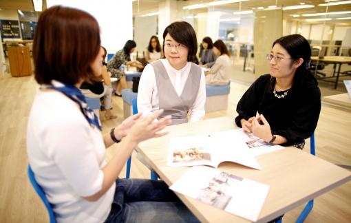 Phụ nữ Nhật tham gia lĩnh vực tài chính thuộc hàng thấp nhất thế giới