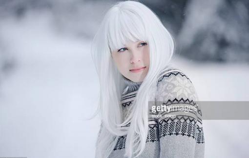 Người trẻ bỗng dưng mái đầu bạc trắng - nguyên nhân và cách cải thiện