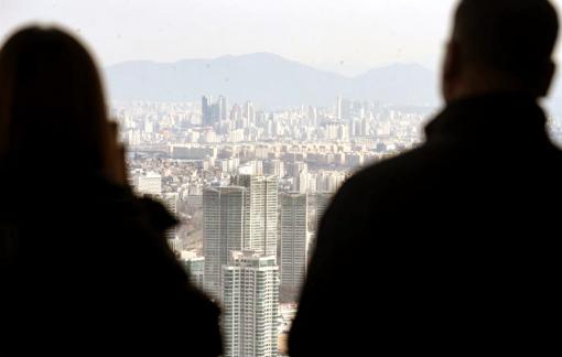 Giới trẻ Hàn Quốc ngày càng thích sống bám cha mẹ
