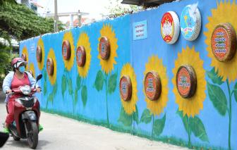 Có một bức tường hoa hướng dương
