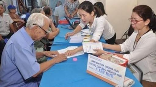 TPHCM đẩy mạnh chi trả lương hưu, trợ cấp xã hội qua tài khoản
