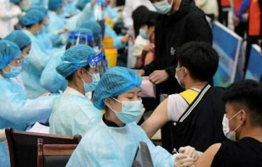 Trung Quốc ghi nhận số ca nhiễm COVID-19 hàng ngày cao nhất trong hơn hai tháng