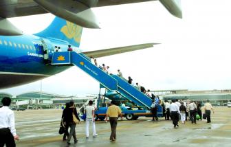 Đề xuất áp giá sàn vé máy bay: Sai luật, vi phạm quyền lợi của người tiêu dùng