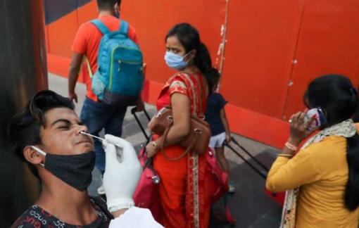 Ấn Độ thiếu hụt vắc-xin khi dịch COVID-19 lên đến đỉnh điểm
