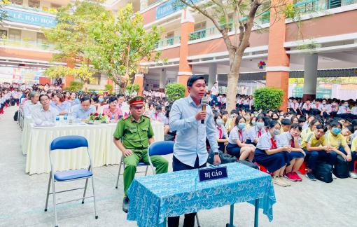 Hơn 1.000 học sinh tham dự phiên tòa giả định về phòng, chống xâm hại trẻ em
