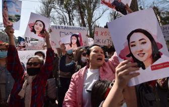 Hàng trăm người biểu tình ở Kyrgyzstan sau vụ bắt cóc và sát hại cô dâu